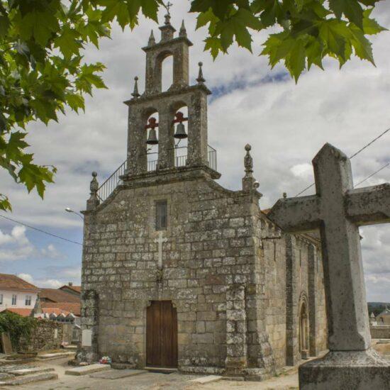 Iglesia de Santiago de Gustei en Amoeiro
