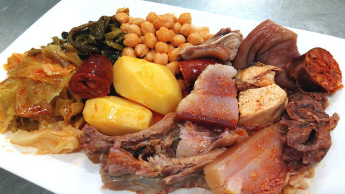 cocido gallego, plato típico de la gastronomía de galicia que nos recompone