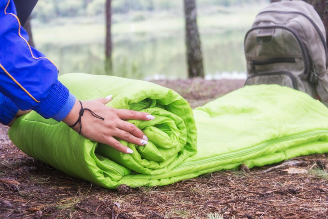 elegir el mejor saco de dormir en tu camino de santiago