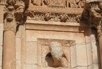 cabeza de piedra leyendas de zamora en el camino de santiago por la via de la plata