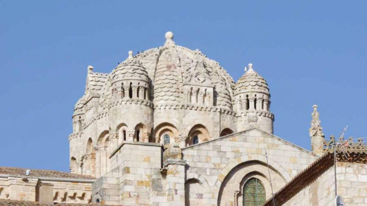 catedral leyendas de zamora camino de santiago por la via de la plata