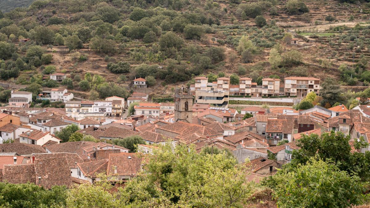 villa termanl de baños de montemayor en el camino de santiago por la via de la plata