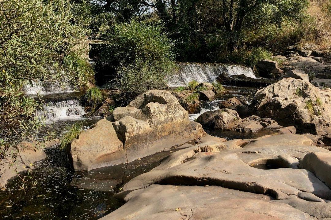 Piscinas naturales en la provincia de Extremadura por el Camino de la Plata